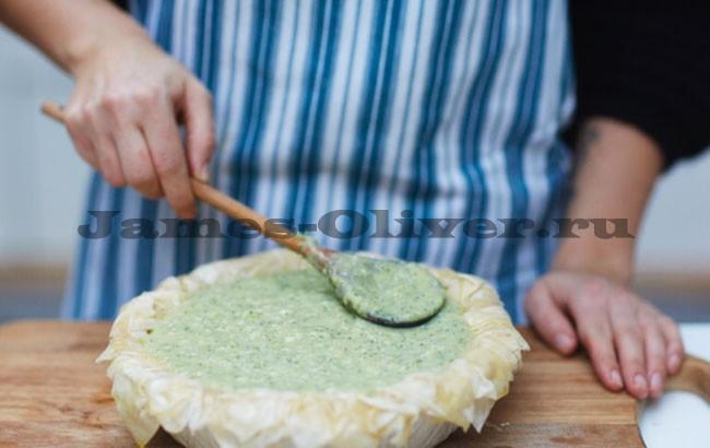 Вылить яичную смесь в пюре